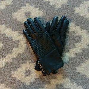 Gap leather moto style gloves